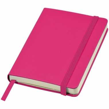 Schrift a6 formaat met roze harde kaft