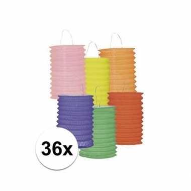 Set van 36 gekleurde lantaarns