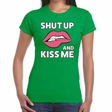Shut up and kiss me groen fun-t shirt voor dames