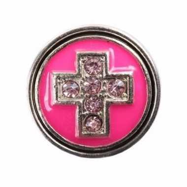 Sieraad chunk roze met kruis 1,8 cm