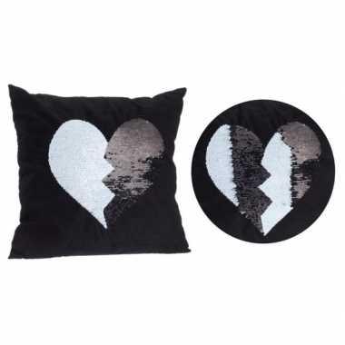 Sierkussen met pailletten hart 40 x 40 cm