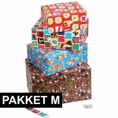 Sint inpakpapier pakket met labels medium