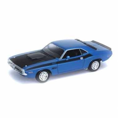 Speelgoedauto dodge challenger 1970 blauw 1:34