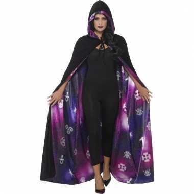 Tovenaars of heksen verkleed cape