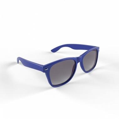 Trendy zonnebrillen donkerblauw