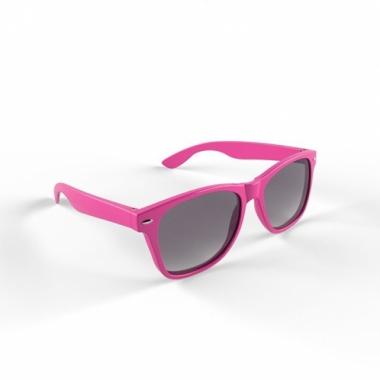 Trendy zonnebrillen roze