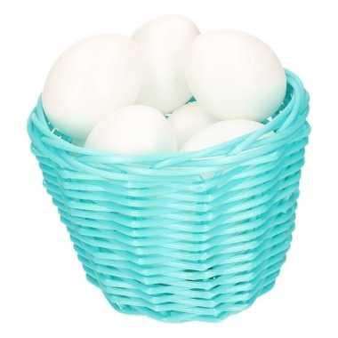 Turquoise paasmandje met plastic eieren 14cm