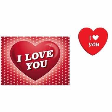 Valentijn hartjes blik met snoepjes en i love you kaart