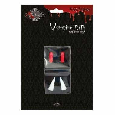 Vampieren tanden halloween met bloedcapsules