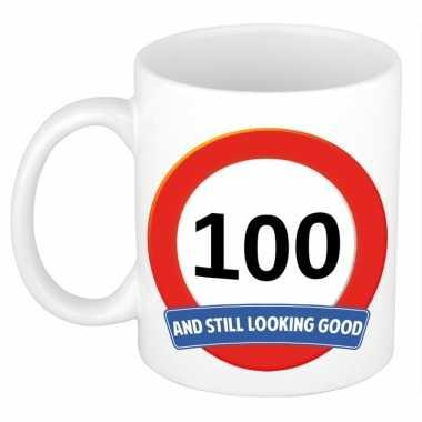 Verjaardag 100 jaar mok / beker stil looking good