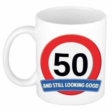 Verjaardag 50 jaar mok / beker stil looking good