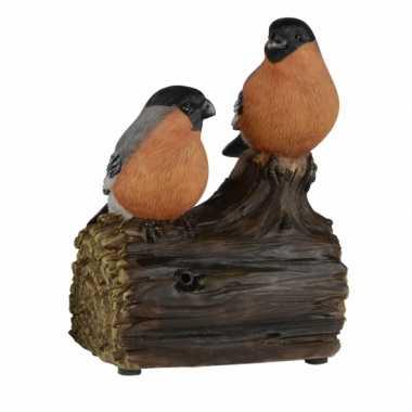 Vogel tuinbeeldje goudvinkjes op boomstam met geluid 11 cm