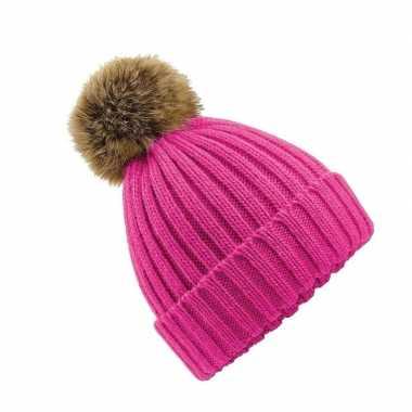 Warme winter muts roze