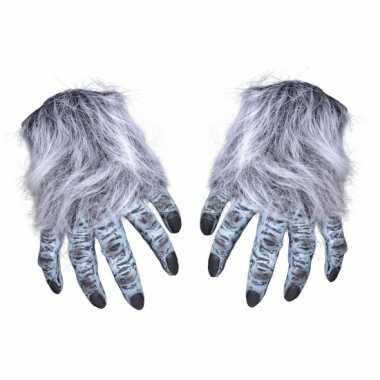 Weerwolf handen groot