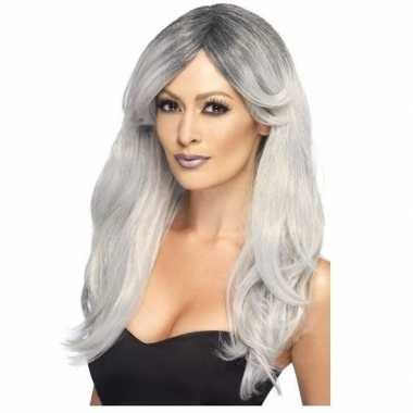 Zilver/grijze pruik met laagjes voor dames
