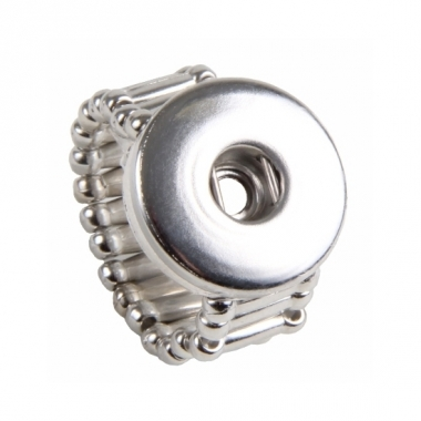 Zilveren metalen ring voor een chunk