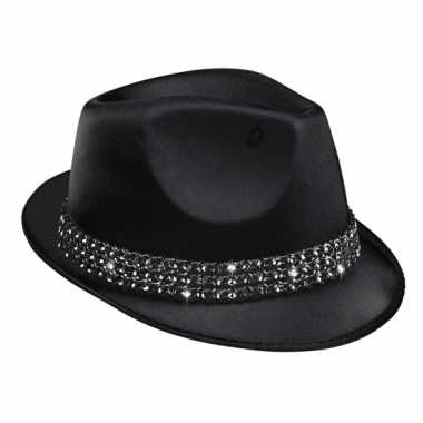 Zwart hoedje met diamantjes