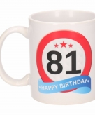 Cadeau 81 jaar mok beker verkeersbord thema