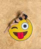 Emoji knipoog badlaken 150 cm