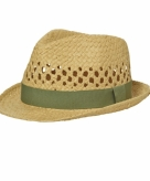 Gevlochten hoedje met olijf band