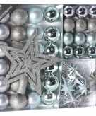 Kerstversiering kerstballen met piek ijsblauw zilver 45 delig