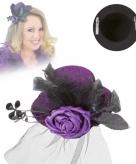 Kleine paarse hoed met clip en sluier