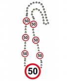 Leeftijd ketting 50 jaar verkeersborden