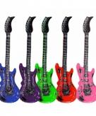 Opblaas elektrische gitaar paars