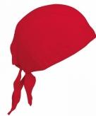 Rode dames hoofddoek