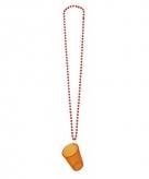 Shotglaasjes oranje aan een ketting