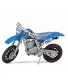 Speelgoed motoren in het blauw