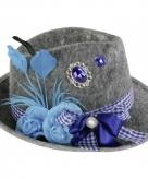 Tiroler hoedjes met blauwe veer