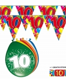 Voordeelset 10 jaar met 2 vlaggenlijnen en ballonnen