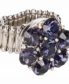 Zilveren metalen ring met blauwe steentjes