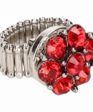 Zilveren metalen ring met rode steentjes