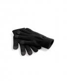 Zwarte gsm tablet gebruik handschoenen
